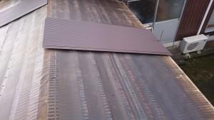 屋根材 荷上げ(長尺波板GLカラー鋼板0.27t)