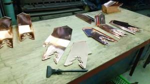 底板と側面板をハゼ組